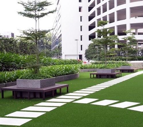 Césped artificial áreas verdes