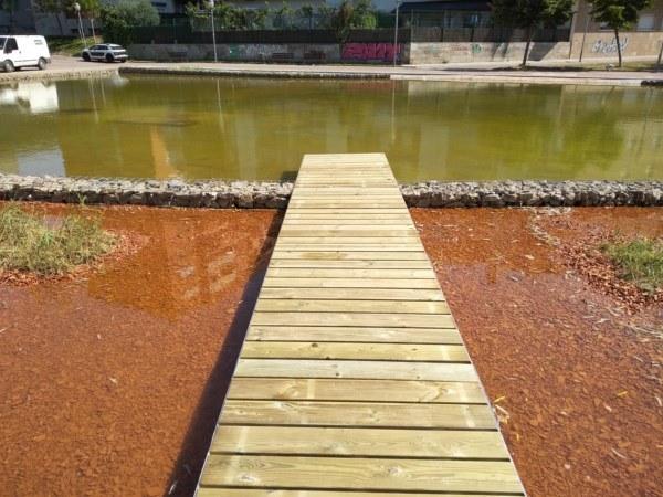 Puenta lago del parque Municipal de olesa de Montserrat