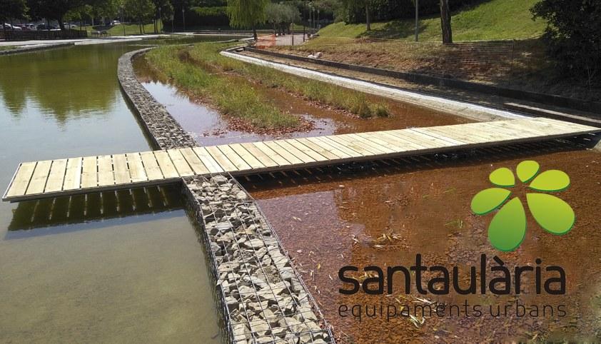 Puente lago del parque Municipal de olesa de Montserrat